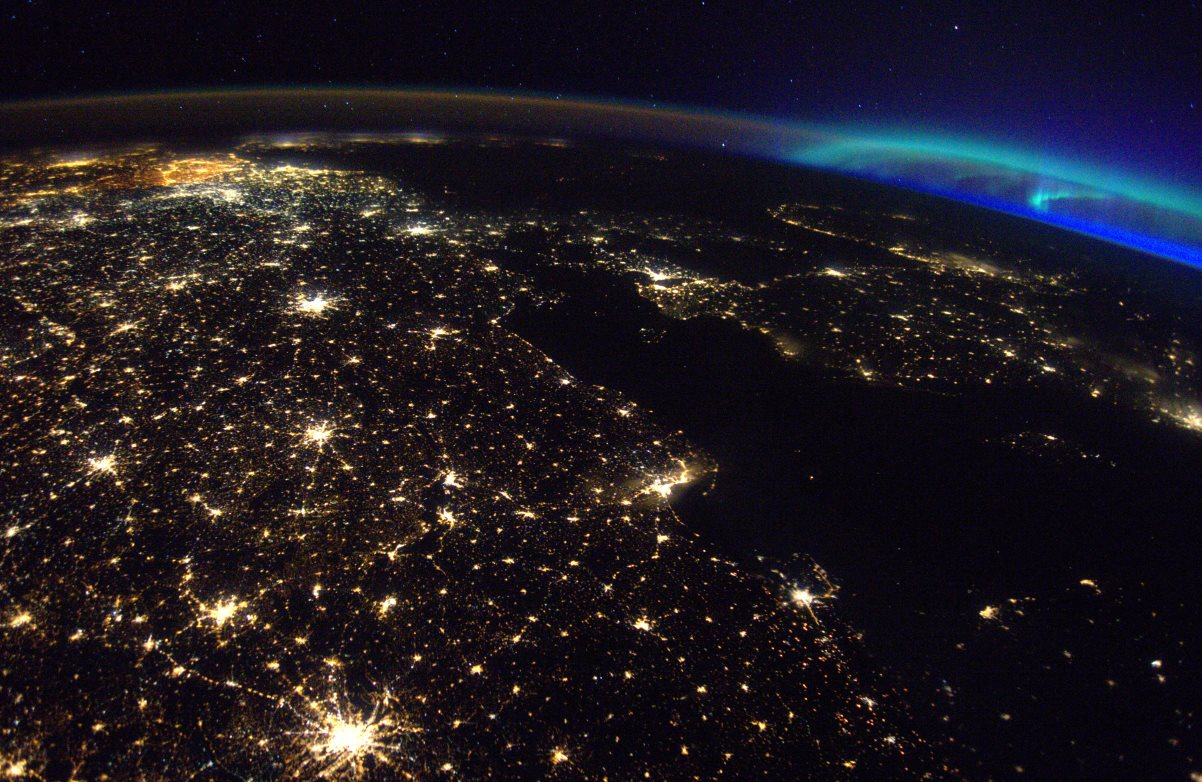 Aurora_over_Europe_Web